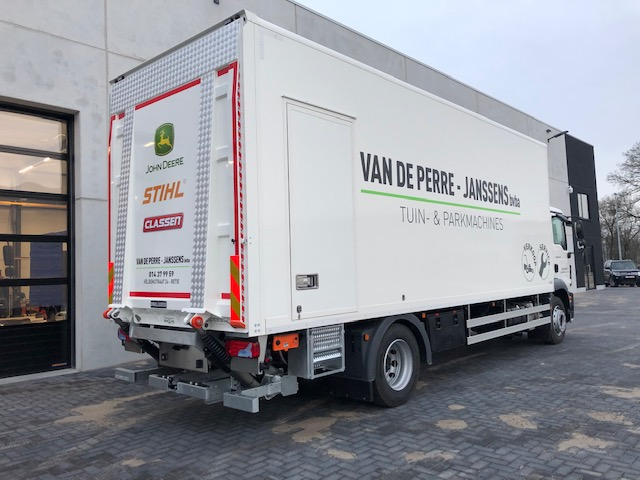 Van De Perre